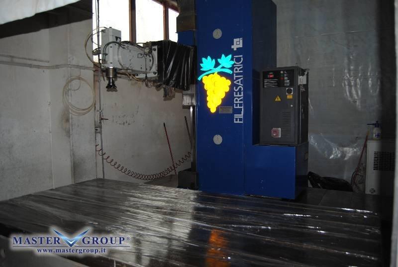 FRESATRICE A MONTANTE MOBILE - USATA - FIL - 250