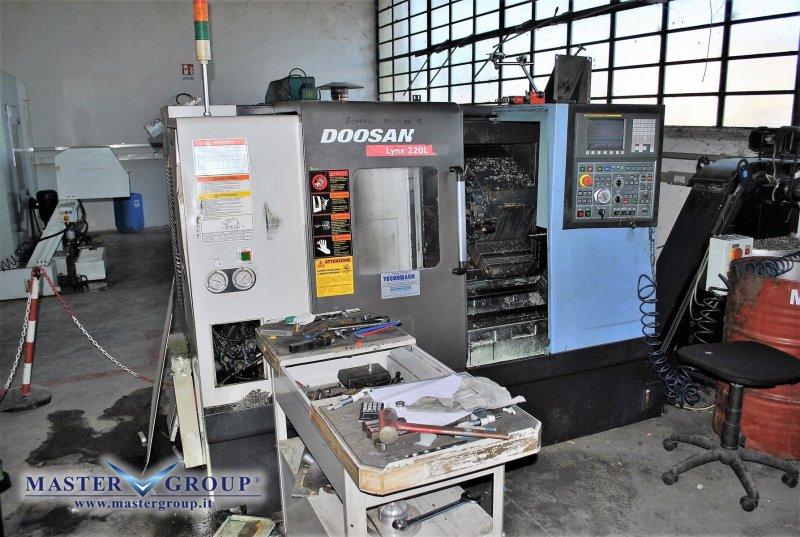 TORNIO CNC A 2 ASSI - USATO - DOOSAN - LYNX 220LC