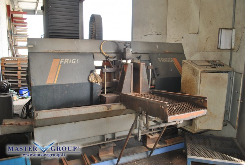 SEGATRICE A NASTRO CNC DOPPIO MONTANTE - USATA - FRIGGI - 1MF 420A CN