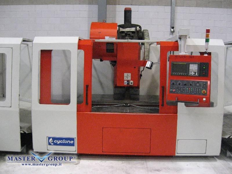 L & W MACHINE TOOLS - CYCLONE VMC-1800