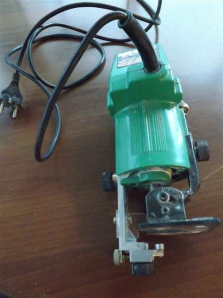 HITACHI - TR-6 TRIMMER