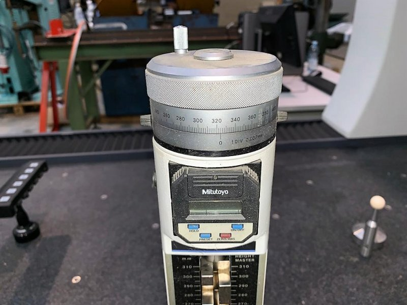 MITUTOYO - HEIGHT MASTER HME-300DMB